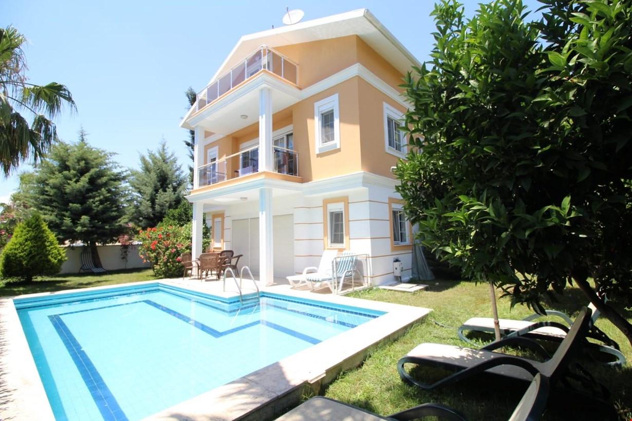 Villa Falkon